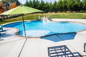 Lincolnton NC Concrete Swimming Pools Versus Fiberglass Swimming Pools