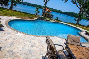 Terrell North Carolina Concrete Swimming Pools Versus Fiberglass Swimming Pools